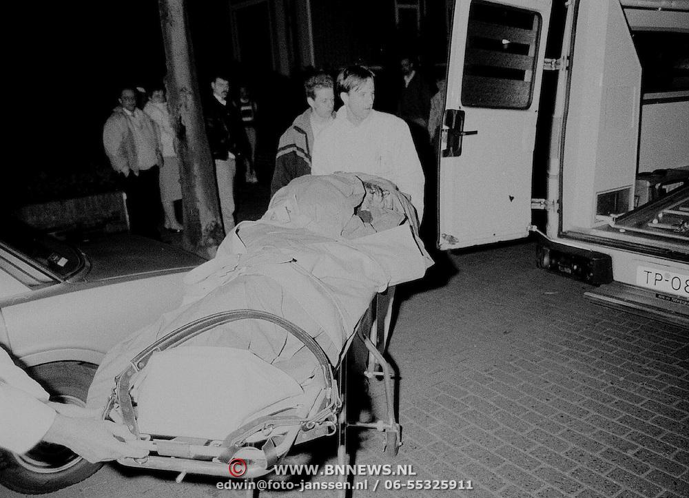 Zelfmoord poging Erfgooiersstraat Hilversum, persoon van flat afgesprongen