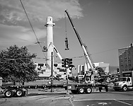 Friday, May 19, 2017, New Orleans, LA,  Confederate statue of  General Robert E. Lee being removed from Lee Circle after a full day of preperations to lift it off a base by masked workers. It was the last of four monuments to Confederate-era monuments to be removed after a proposal by Mayor Mitch Landrieu to remove the monuements was approved by the city council in 2015.