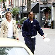 NLD/Amsterdam/20070809 - Koert-Jan de Bruijn en Patrick Kluivert wandelend in Amsterdam