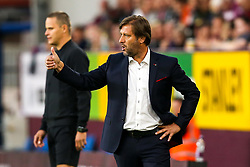 Olympiakos manager Pedro Martins - Mandatory by-line: Robbie Stephenson/JMP - 30/08/2018 - FOOTBALL - Turf Moor - Burnley, England - Burnley v Olympiakos - UEFA Europa League Play-offs second leg