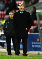 Fotball<br /> England 2004<br /> 13.11.2004<br /> Foto: SBI/Digitalsport<br /> NORWAY ONLY<br /> <br /> Swindon Town v Sheffield Wednesday<br /> FA Cup<br /> <br /> Paul Sturrock shouts at his players.