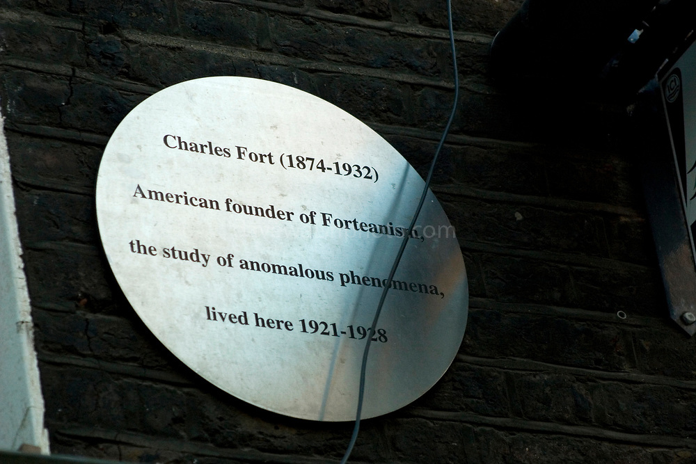 Satirist, inconoclast and writer on anomalous phenomena, Charles Fort lived here with his wife Anna from 1921 and 1928, close to the British Museum. There's a plaque on the wall, placed there by forteans...