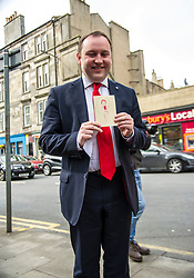 Pictured: Ian Murray received a good luck card from Daniel Jonhston's five year old daughter Fraya at the launch. Young Fraya was too shy to go on camera.<br /> <br /> Scottish Labour's Ian Murray and Scottish Labour leader Kezia Dugdale hit the general election campaign trail in Edinburgh today for the first campaign event of Mr Murray's re-election campaign for the Edinburgh South constituency.<br /> Ger Harley | EEm 21 April 2017