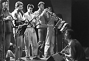 Nederland, Nijmegen, 10-5-1988een concert van de werkgroep improvisatie muziek in het O42 gebouw aan de Oranjesingel.O 42 was een cultureel en politiek centrum van de SNUF, stichting nijmeegs universiteitsfonds. In 2006 werd het gebouw verkocht.Foto: Flip Franssen/Hollandse Hoogte