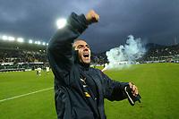 Fotball, Firenze 9-1-05,  Serie A 2004-05 <br /> Fiorentina -  Lazio<br /> Paolo Di CAnio celebrates Lazio's victory under the stand of Lazio's fans<br /> Foto :Graffiti/ Digitalsport