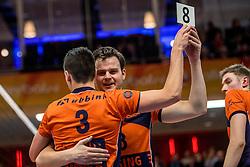 19-02-2017 NED: Bekerfinale Draisma Dynamo - Seesing Personeel Orion, Zwolle<br /> In een uitverkochte Landstede Topsporthal wint Orion met 3-1 de bekerfinale van Dynamo / wissel Freek de Weijer #8 of Orion, Stijn Held #3 of Orion