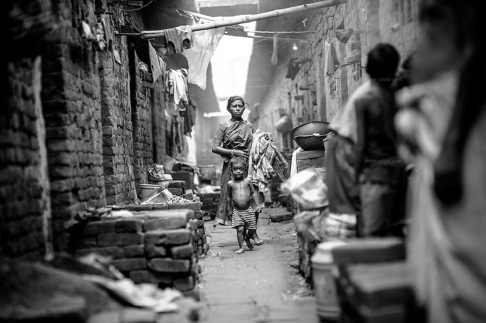 A family accommodation next to the brick kiln on the outskirts of Patna