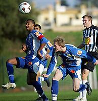 Fotball<br /> La Manga 2006<br /> Tromsø v KR Reykjavik 1-0<br /> 13.02.2006<br /> Foto: Morten Olsen, Digitalsport<br /> <br /> Benjamin Kibebe og Ole Martin Årst - TIL