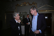 Michael Green and the Marquis of Worcester. Everyman's Centenary Party. The Fine Rooms. Royal Academy. London. 15 February 2006. dddONE TIME USE ONLY - DO NOT ARCHIVE  © Copyright Photograph by Dafydd Jones 66 Stockwell Park Rd. London SW9 0DA Tel 020 7733 0108 www.dafjones.com
