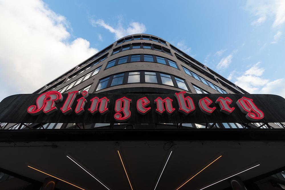 Klingenberg kino åpnet 6. oktober 1938. I 1995 ble inngangspartiet, publikumsarealene og hovedsalen fredet av Riksantikvaren.