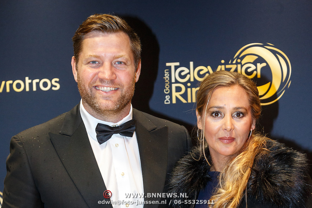 NLD/Amsterdam/20151015 - Televiziergala 2015, Dennis van der Geest en partner Zaina Mohamed