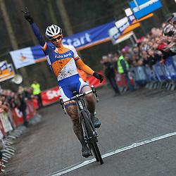 Nederlands Kampioenschap veldrijden Gasselte elite Lars van der Haar prolongeert zijn titel bij de elite