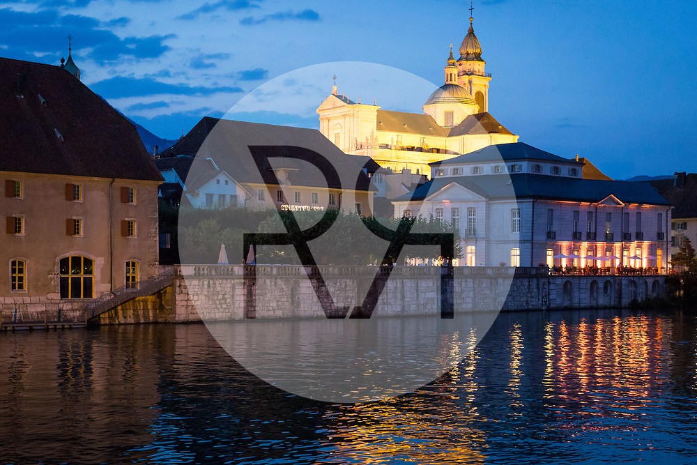 SCHWEIZ - SOLOTHURN - Das Landhaus (L), das Palais Besenval (R) und darüber die St.-Ursen-Kathedrale - 19. August 2018 © Raphael Hünerfauth - http://huenerfauth.ch