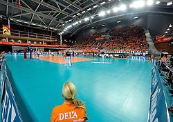 18-09-2011 VOLLEYBAL: DELA TROPHY NEDERLAND - TURKIJE: ALMERE<br /> Nederland wint met 3-0 van Turkije en wint hierdoor de DELA Trophy / Topsporthal Almere zaal hal<br /> ©2011-FotoHoogendoorn.nl