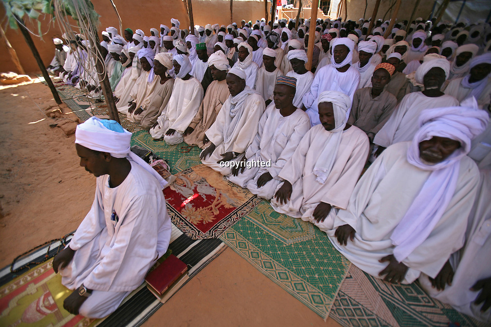 mosque in bahai refugee camp, Chad.