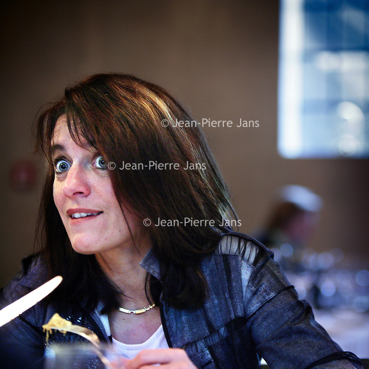 Nederland,Amstelveen ,27 november 2008..Annerie Vreugdenhil Directeur Corporate Clients bij ING Wholesale Banking, hier in restaurant Lute..Annerie Vreugdenhil Director Corporate Clients at ING Wholesale Banking, in  restaurant Lute.