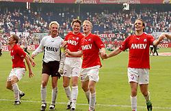 01-06-2003 NED: Amstelcup finale FC Utrecht - Feyenoord, Rotterdam<br /> FC Utrecht pakt de beker door Feyenoord met 4-1 te verslaan / Harold Wapenaar, Dirk Kuyt, Alje Schut