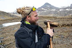 Andres Talking About Geology On Hike From Maiviken To Grytviken