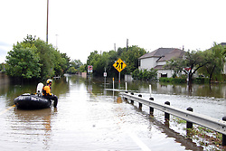 (170828) -- HOUSTON, Aug. 28, 2017 (Xinhua) -- A police officer waits for rescue order in Houston, Texas, the United States, Aug. 27, 2017. Widespread and worsening flood conditions prompted the closure of nearly every major road in Houston as the outer bands of Hurricane Harvey swept through the Houston area over the weekend. Latest news reports said the storm death toll has climbed to at least 5. (Xinhua/Zhong Jia) (zjl)  (Photo by Xinhua/Sipa USA)