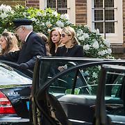 NLD/Laren/20140411 - Begrafenis slachtoffers familiedrama Schmittmann, familie