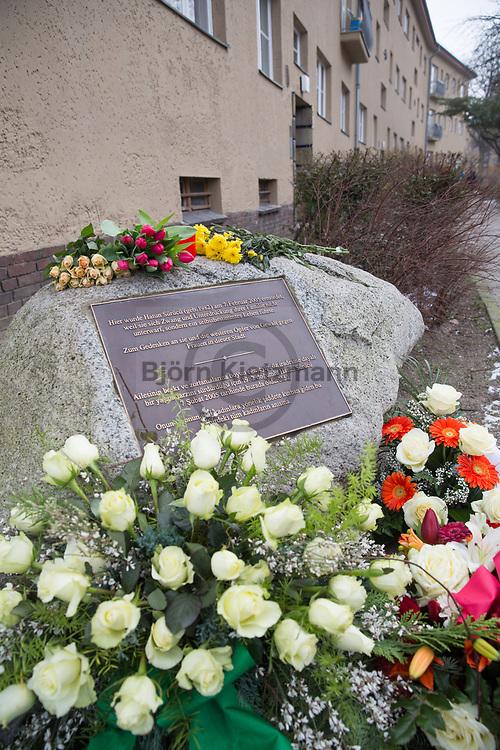 Berlin, Germany - 07.02.2015 <br /> <br /> Remembrance of Hatun Sueruecue in Berlin-Tempelhof, who was murdered 10 years ago by her brother in a so-called honor killing.<br /> <br /> Gedenken an die vor 10 Jahren durch ihren Bruder durch einen sogenannten Ehrenmord getoetete Hatun Sueruecue in Berlin-Tempelhof.<br /> <br /> Photo: Bjoern Kietzmann
