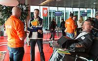 AMSTERDAM -  H-hockey bondscoach Frank Maagdenberg (m)  en links assistent coach E-hockey, Koen Kasper.  KNHB Symposium Train de Trainer, voor trainer, coach , begeleider binnen het aangepaste hockey. Dit alles in het Ronald MacDonald Centre in Amsterdam. COPYRIGHT KOEN SUYK