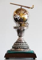 DEN HAAG -  De hoofdprijs voor de heren , beker Rabobank World Cup Hockey 2014 . COPYRIGHT KOEN SUYK