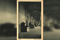 "Zagreb : Arkade na Mirogoju. <br /> <br /> ImpresumZagreb : Merkur, [1924].<br /> Materijalni opis1 razglednica : tisak ; 14,1 x 8,9 cm.<br /> NakladnikTiskare Mercur<br /> Mjesto izdavanjaZagreb<br /> Vrstavizualna građa • razglednice<br /> ZbirkaZbirka razglednica • Grafička zbirka NSK<br /> Formatimage/jpeg<br /> PredmetZagreb –– Mirogoj<br /> SignaturaRZG-MIR-1<br /> Obuhvat(vremenski)20. stoljeće<br /> NapomenaRazglednica je putovala 1924. godine. • Razglednica je tiskana u sklopu edicije ""Krajevi naše domovine"" : I. IZDANJE: ZAGREB: Slobodni i kralj. glavni grad.<br /> PravaJavno dobro<br /> Identifikatori000954352<br /> NBN.HRNBN: urn:nbn:hr:238:318467 <br /> <br /> Izvor: Digitalne zbirke Nacionalne i sveučilišne knjižnice u Zagrebu"