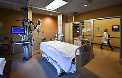 December 13, 2016 - Minneapolis, Minnesota, USA - Hennepin County Medical Center Surgical ICU.     ] GLEN STUBBE * gstubbe@startribune.com Tuesday, December 13, 2016 EDS, These were taken for generic use for story on future of hospitals and Affordable Care Act, Obamacare, HCMC.  HOSPITALS121816.  May be used for other purposes beyond that. (Credit Image: © Glen Stubbe/Minneapolis Star Tribune via ZUMA Wire)