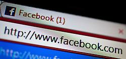 """26.04.2011, Kaprun, AUT, Facebook Features, im Bild das Facebook Logo, in der Adressleiste des Browsers ist die Internet Adresse """"http://www.facebook.com"""" zu lesen, Themenbild zu Facebook //  the Facebook logo, in the address bar of the browser is the Internet address """"http://www.facebook.com"""" to read, theme image / feature to Facebook, EXPA Pictures © 2011, PhotoCredit: EXPA/ J. Feichter"""