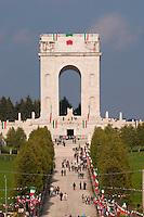 SACRARIO MILITARE DI ASIAGO DURANTE L'ADUNATA NAZIONALE DEGLI ALPINI 2006, ASIAGO (VI), VENETO, ITALIA