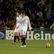NLD/Eindhoven/20051101 - CHampions League PSV - AC Milan, Alberto Gilardino(11) en Christian Vieri (32) lopen verslagen terug