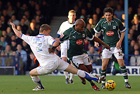 Photo: Ashley Pickering.<br />Southend United v Plymouth Argyle. Coca Cola Championship. 18/11/2006.<br />Southend's Simon Fancis and Plymouth's Barry Hayes