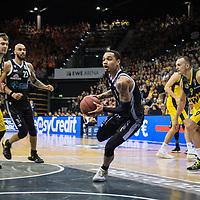 08.03.2020, EWE Arena, Oldenburg, GER, easy Credit-BBL, EWE Baskets Oldenburg vs RASTA Vechta, im Bild<br /> Jordan DAVIS (Rasta Vechta #1 ) Rasid MAHALBASIC (EWE Baskets Oldenburg #24 ) Justin RAFFINGTON (RASTA Vechta #23 ) Karsten TADDA (EWE Baskets Oldenburg #9 )<br /> Foto © nordphoto / Rojahn