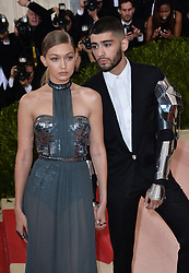 Zayn Malik and Gigi Hadid attend the Manus x Machina: Fashion in an Age of Technology Costume Institute Benefit Gala at Metropolitan Museum of Art on May 2, 2016 in New York City, NY, USA. Photo by Lionel Hahn/ABACAPRESS.COM  | 545160_124 New York City Etats-Unis United States
