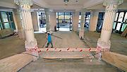 Nederland, Nijmegen, 18-8-2015 Grote verbouwing, renovatie en herinrichting van het 100-jarige concertgebouw de Vereeniging.Architect was Oscar Leeuw en er zijn veel elementen uit de art deco en art nouveau in verwerkt. Dit podium wordt door musici geroemd vanwege zijn uitstekende akoestiek, beter nog dan van het concertgebouw in Amsterdam. FOTO: FLIP FRANSSEN/ HOLLANDSE HOOGTE