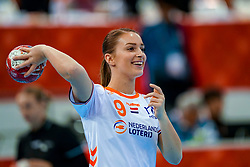 15-12-2019 JAP: Final Netherlands - Spain, Kumamoto<br /> The Netherlands beat Spain in the final and take historic gold in Park Dome at 24th IHF Women's Handball World Championship / Larissa Nüsser #9 of Netherlands