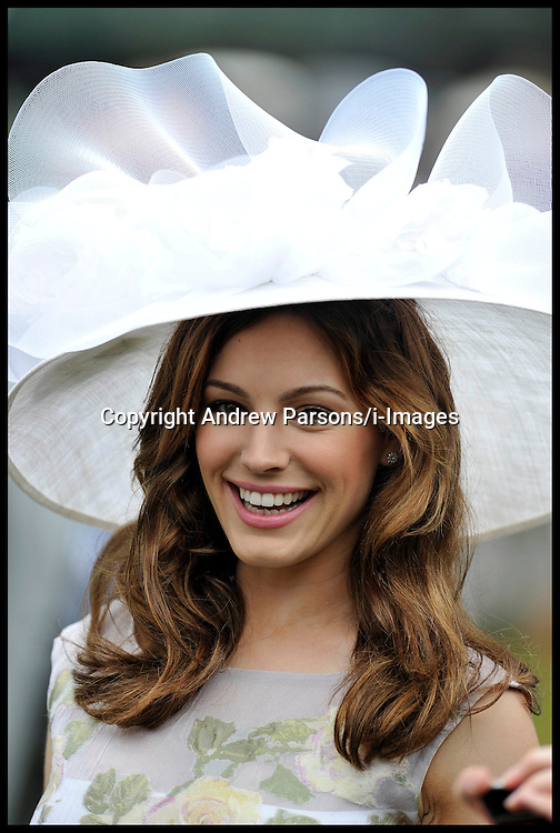 Kelly Brook in the Parade Ring at Royal Ascot before The Diamond Jubilee Stakes on the Final Day of Royal Ascot, Saturday June 23, 2012. Photo by Andrew Parsons/i-Images .All Rights Reserved ©Andrew Parsons Instructions