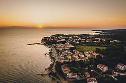 THEMENBILD - Sonnenuntergang bei Karigador mit der Adria, aufgenommen am 04. Juli 2020 in Novigrad, Kroatien // Sunset at Karigador with the Adriatic Sea near Novigrad, Croatia on 2020/07/04. EXPA Pictures © 2020, PhotoCredit: EXPA/ JFK