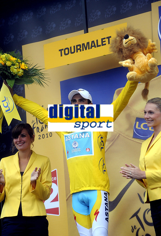 Sykkel<br /> Tour de France 2010<br /> 22.07.2010<br /> Foto: PhotoNews/Digitalsport<br /> NORWAY ONLY<br /> <br /> ALBERTO CONTADOR<br /> <br /> ETAPE 17 : PAU - COL DU TOURMALET