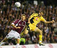 Fotball<br /> Foto: imago/Digitalsport<br /> NORWAY ONLY<br /> <br /> 09.08.2006  <br /> <br /> Pantelis Kapetanos (AEK Athen, re.) setzt sich gegen Christophe Berra (Hearts of Midlothian) durch und erzielt das 1:1<br /> <br /> Champions League Qualifikation 2006/2007, Hearts of Midlothian - AEK Athen 1:2