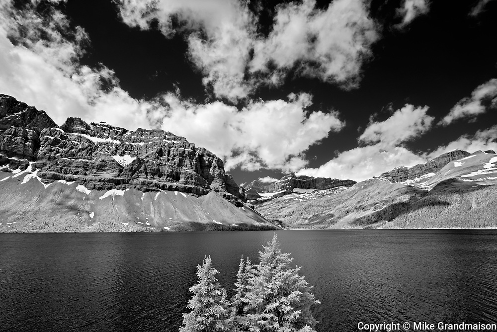 Bow Lake and the Candian Rocky Mountains<br />