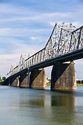 Bridge over the Ohio river between Kentucky and Indiana