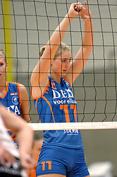 08-10-2006 VOLLEYBAL: SUPERCUP DELA MARTINUS - PLANTINA LONGA: DOETINCHEM<br /> Martinus wint vrij eenvoudig met 3-0 van Longa en pakt de Supercup / Carlijn Jans<br /> ©2006: WWW.FOTOHOOGENDOORN.NL