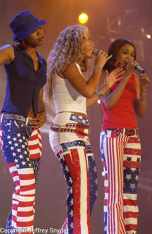 Destiny's Child performing on the United We Stand: What More Can I Give?  benefit concert at RFK Stadium in Washington, DC.  October 21, 2001 (Photo by Jeff Snyder)