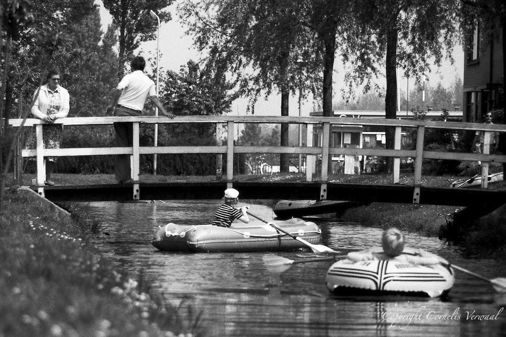 Ammerstolse jeugd aan de Snackertstraat anno 1978