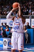 DESCRIZIONE : Cantu' Acqua Vitasnella Cantu' Sidigas Scandone Avellino<br /> GIOCATORE : LaQuinton Ross<br /> CATEGORIA : tiro three points<br /> SQUADRA : Acqua Vitasnella Cantu'<br /> EVENTO : Campionato Lega A 2015-2016<br /> GARA : Acqua Vitasnella Cantu' Sidigas Scandone Avellin<br /> DATA : 15/11/2015 <br /> SPORT : Pallacanestro <br /> AUTORE : Agenzia Ciamillo-Castoria/R.Morgano<br /> Galleria : Lega Basket A 2015-2016<br /> Fotonotizia : Cantu' Acqua Vitasnella Cantu' Sidigas Scandone Avellin<br /> Predefinita :