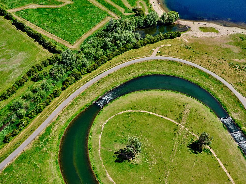 Nederland, Gelderland, Gemeente Buren, 27-05-2020; Eiland van Maurik, rivier de Lek. Sluis- en Stuwcomplex Amerongen in de Neder-rijn. Ook bekend als Stuw Maurik. Detail met vispassage. De stuw reguleert waterniveau in de Neder-rijn. Direct naast de stuw de waterkrachtcentrale van Nuon. Op het stuweiland verder de schutsluis. Het stuwcomplex is gerenoveerd. <br /> Barrage or flood gate in Lower Rhine, regulates waterlevel. Southeast of Utrecht. The Lower Rhine is a rain river, with especially in the winter large amounts of water (melt water), in the summer there is a shortage of water. The weir ensures sufficiently high water level for shipping. Next to the dam the hydroelectric station, fish ladder and shipping lock.<br /> <br /> luchtfoto (toeslag op standaard tarieven);<br /> aerial photo (additional fee required)<br /> copyright © 2020 foto/photo Siebe Swart