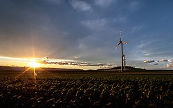 THEMENBILD - Windräder des Energieversorgers EVN in einem Windpark, aufgenommen am 7. Juni 2017, Rottersdorf, Oesterreich // Wind turbines form the Austrian-based producer and transporter of electricity, EVN operate in a wind farm at Rottersdorf, Austria on 2017/06/07. EXPA Pictures © 2017, PhotoCredit: EXPA/ JFK