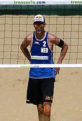 18-07-2014 NED: FIVB Grand Slam Beach Volleybal, Scheveningen<br /> Knock out fase -  Robert Meeuwsen (2) NED